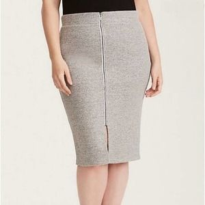 NEW Torrid PENCIL SKIRT Sexy Ribbed Front Zip